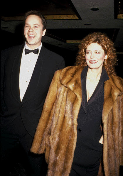 Disgusting Susan Sarandon wearing a fur coat